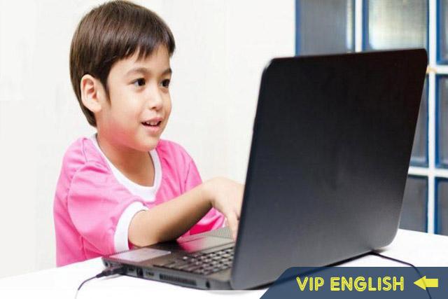 Lý do nên lựa chọn phương thức dạy tiếng Anh online cho trẻ